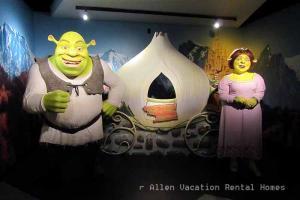 Shrek & Fiona at Madame Tussaud